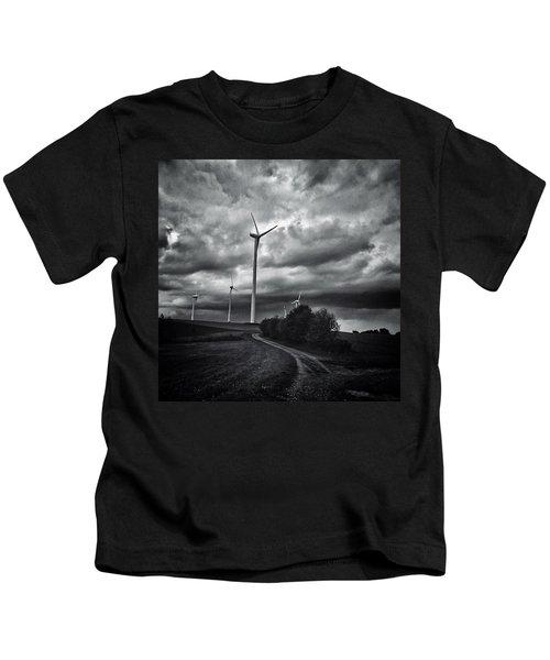 Atomlos Durch Die Nacht... #landschaft Kids T-Shirt