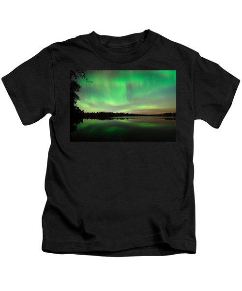 Aurora Over Tofte Lake Kids T-Shirt