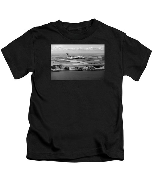 Avro Vulcan Over The White Cliffs Of Dover Black And White Versi Kids T-Shirt