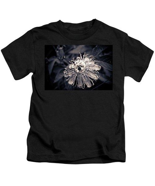 Clematis Flower Bloom Kids T-Shirt