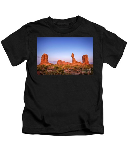 Balanced Rock, Arches National Park Kids T-Shirt