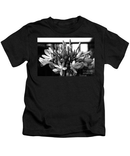Becoming Beautiful - Bw Kids T-Shirt