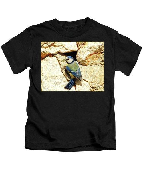 Bird Feeding Chick Kids T-Shirt