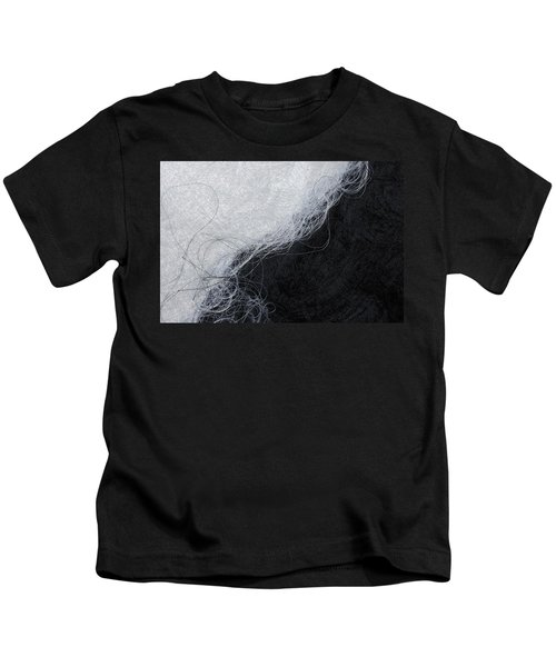 Black And White Fibers - Yin And Yang Kids T-Shirt