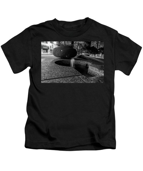 Black And White Fountain Kids T-Shirt