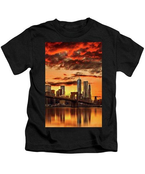 Blazing Manhattan Skyline Kids T-Shirt