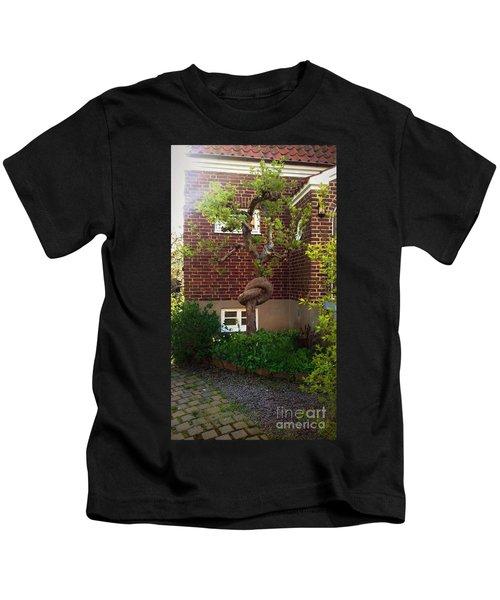 Body Language Of Trees Kids T-Shirt
