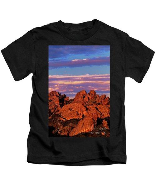 Boulders Sunset Light Pinnacles National Park Californ Kids T-Shirt