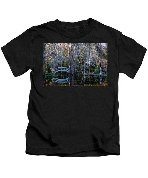 Bridge And Statue At Magnolia Plantation Gardens Kids T-Shirt