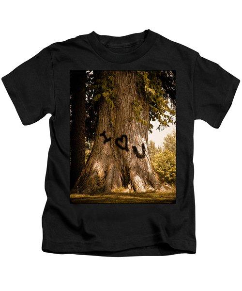 Carve I Love You In That Big White Oak Kids T-Shirt