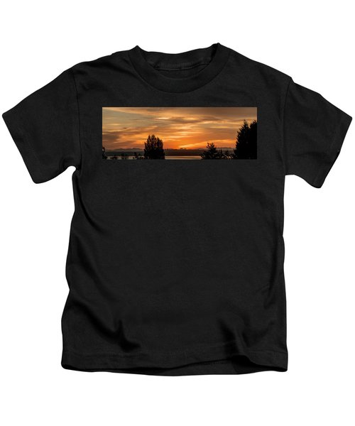 Cascade Mountains - Sunrise Panorama Kids T-Shirt