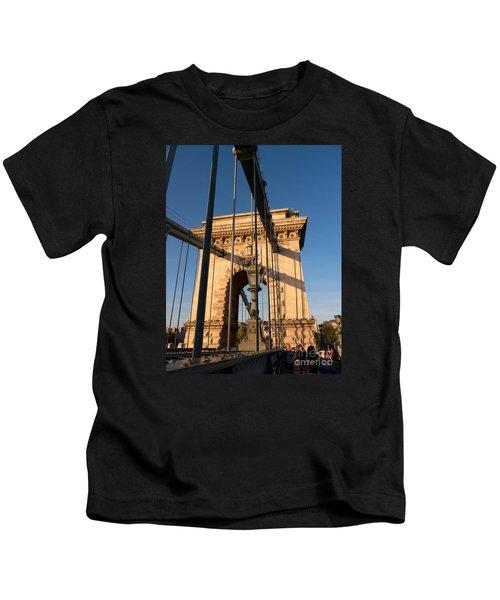 Chain Bridge Budapest  Kids T-Shirt