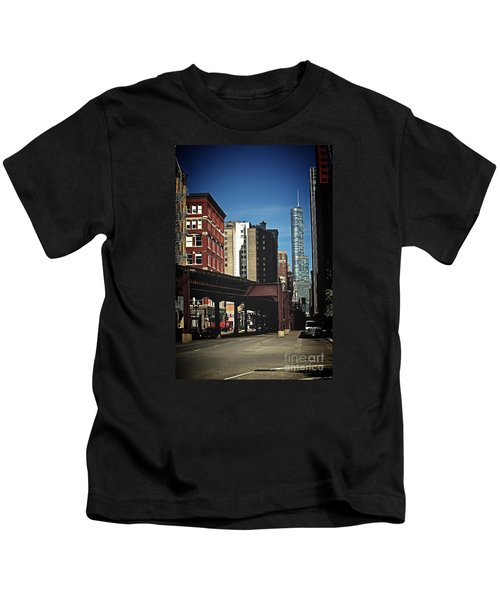 Chicago L Between The Walls Kids T-Shirt