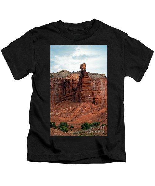 Chimney Rock In Capital Reef Kids T-Shirt