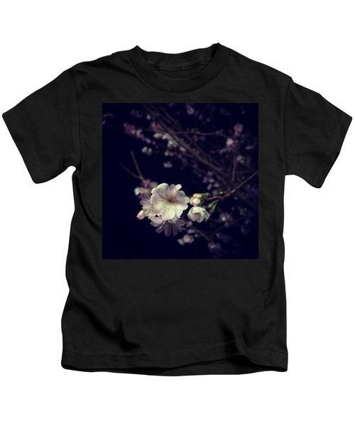Christmas Cherry Bloom. 🎄🍒🌸 Kids T-Shirt