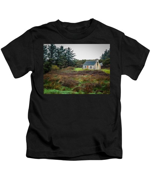 Cottage In The Irish Countryside Kids T-Shirt