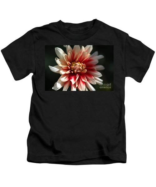 Dahlia Warmth Kids T-Shirt
