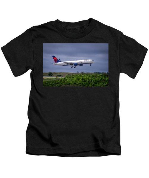 Delta Air Lines 757 Airplane N557nw Art Kids T-Shirt
