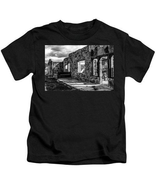Desert Lodge Bw Kids T-Shirt