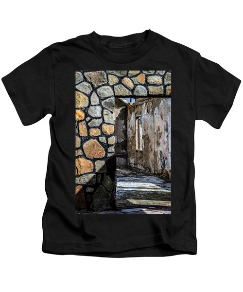 Desert Lodge View 1 Kids T-Shirt