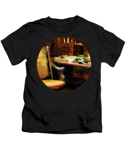 Doctor - Doctor's Office Kids T-Shirt
