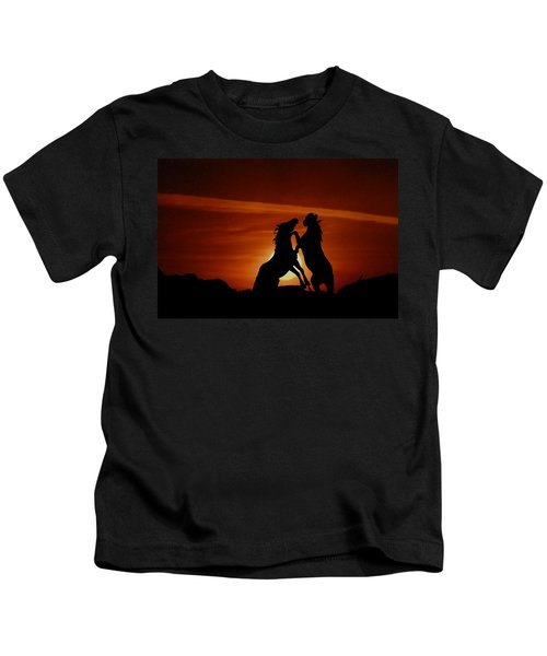 Duel At Sundown Kids T-Shirt