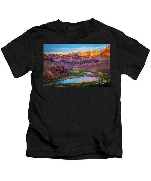 Evening At Cardenas Kids T-Shirt