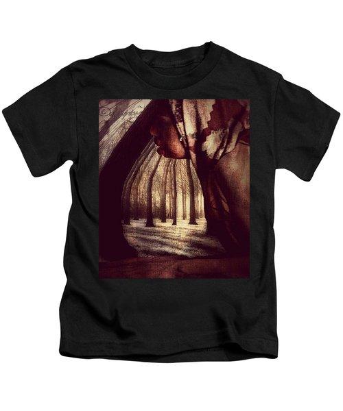 Evie Regrets Kids T-Shirt