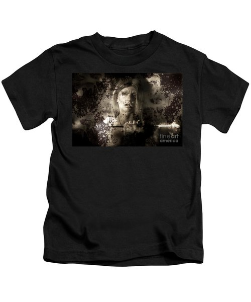 Evil Vampire Woman Looking Into Bloody Mirror Kids T-Shirt