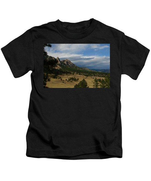 Flatirons, Boulder, Colorado Kids T-Shirt