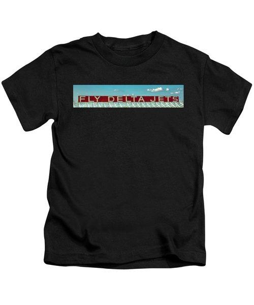 Fly Delta Jets Signage Hartsfield Jackson International Airport Atlanta Georgia Art Kids T-Shirt