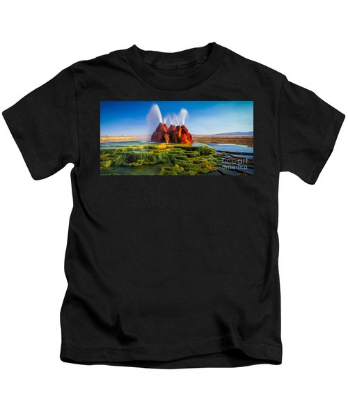 Fly Geyser Panorama Kids T-Shirt