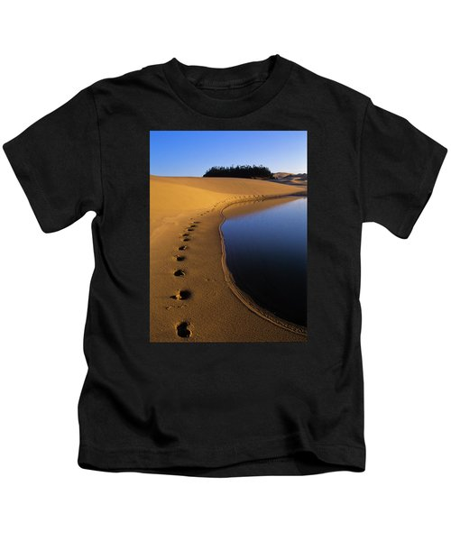 Footprints In The Sand Kids T-Shirt