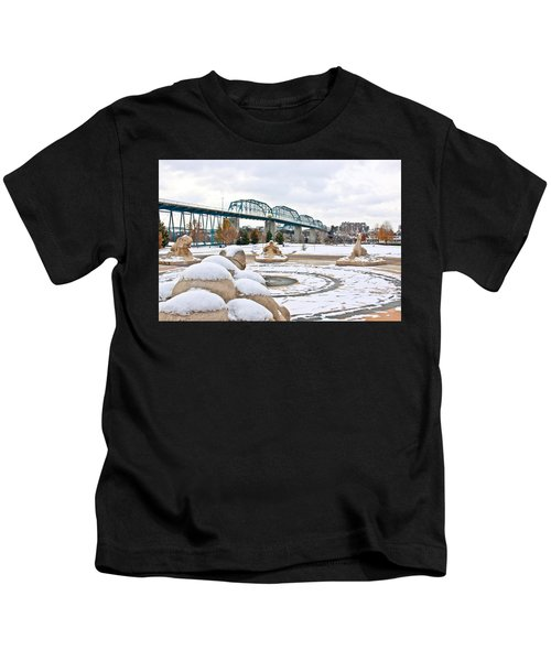 Fountain In Winter Kids T-Shirt