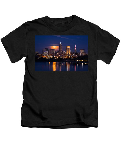 Full Moonrise Over Cleveland Kids T-Shirt
