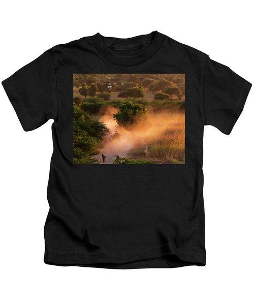 Going Home At Sunset Kids T-Shirt