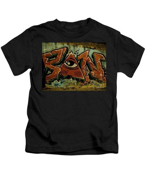 Graffiti_17 Kids T-Shirt