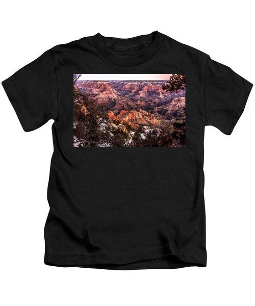 Grand Canyon Winter Sunrise Landscape At Yaki Point Kids T-Shirt
