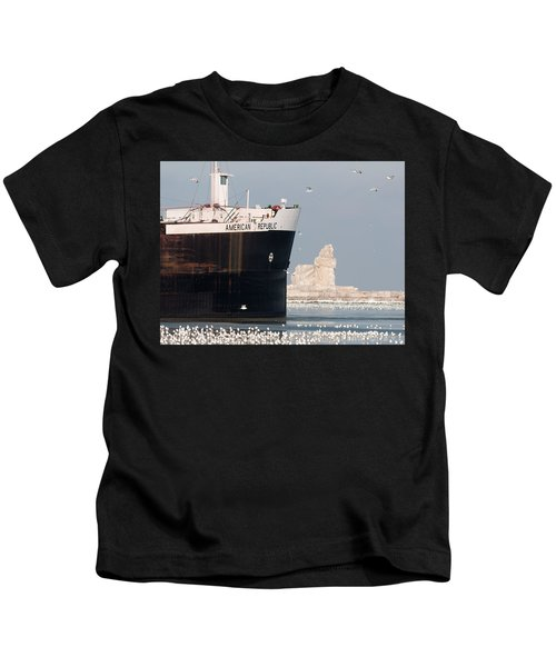 Great Lakes Ship Passing A Frozen Cleveland Lighthouse Kids T-Shirt