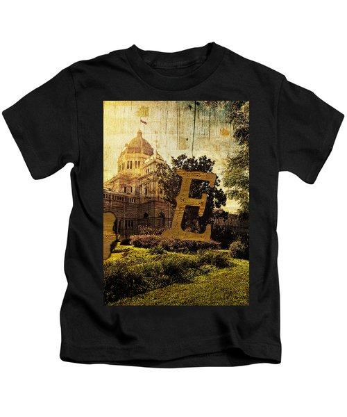 Grungy Melbourne Australia Alphabet Series Letter E Royal Exhibi Kids T-Shirt