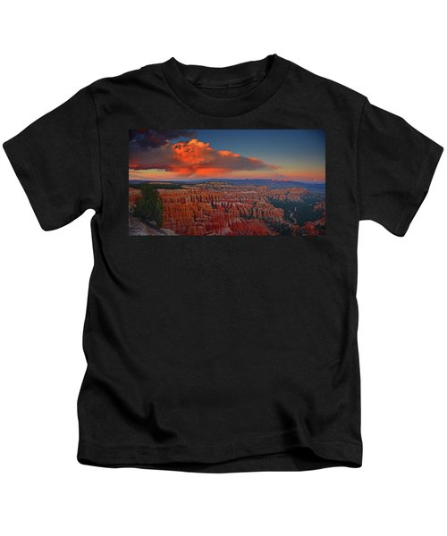 Harvest Moon Over Bryce National Park Kids T-Shirt