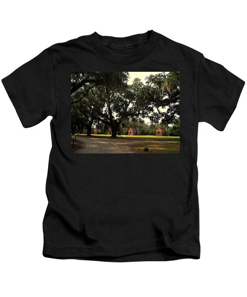 Historic Slave Houses At Boone Hall Plantation In Sc Kids T-Shirt