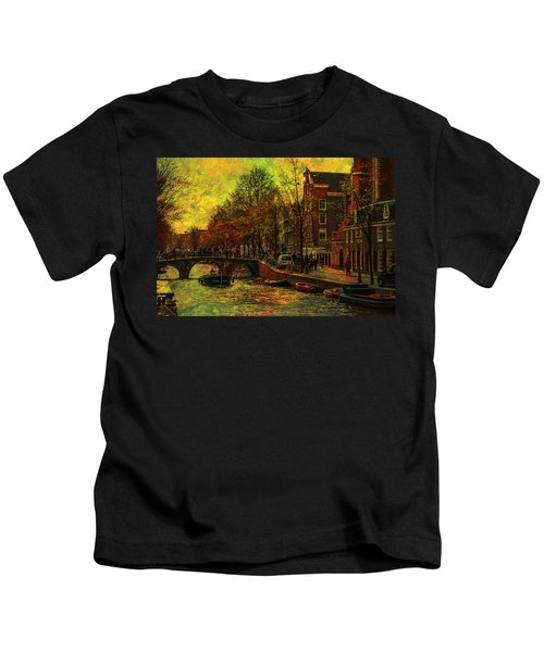 I Amsterdam. Vintage Amsterdam In Golden Light Kids T-Shirt