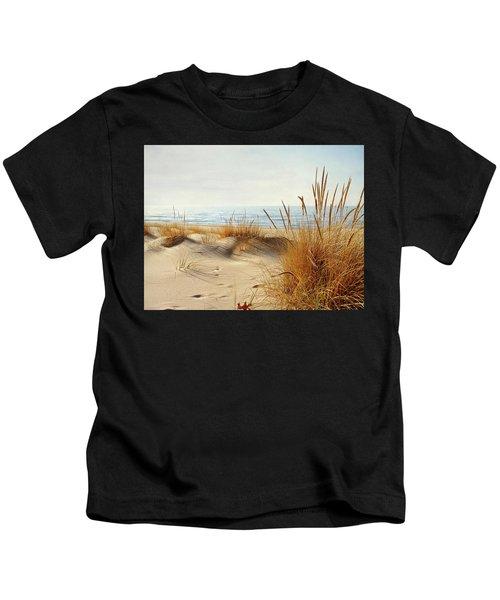 I Hear You Coming  Kids T-Shirt