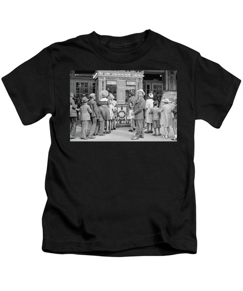 In Front Of A Movie Theater, Chicago, Illinois Kids T-Shirt