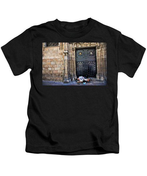 In Need Boy And Dog Barcelona  Kids T-Shirt