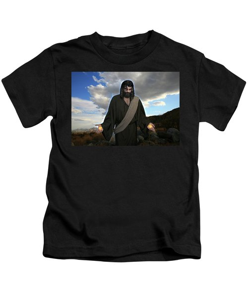 Jesus Christ- And He Withdrew Himself Into The Wilderness And Prayed Kids T-Shirt