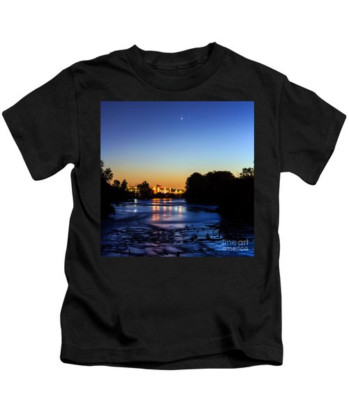 Jupiter And Venus Over The Willamette River In Eugene Oregon Kids T-Shirt