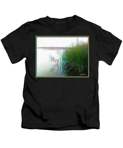 Kennersley Pt Marina - Use Red/cyan 3d Glasses Kids T-Shirt