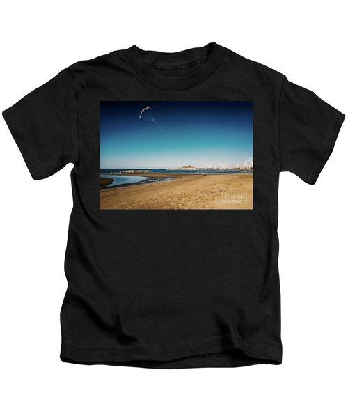 Kitesurf On The Beach Kids T-Shirt